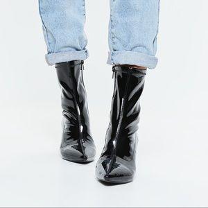Mid heel sock boot patent